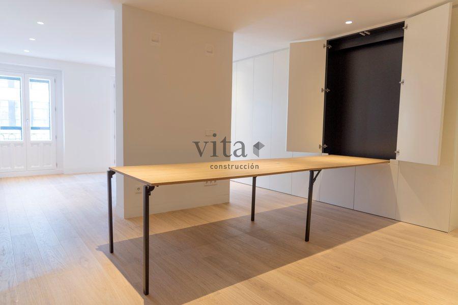 La mesa desplegada totalmente