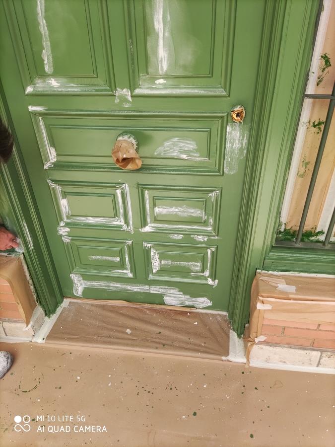 Lacado puerta de la casa