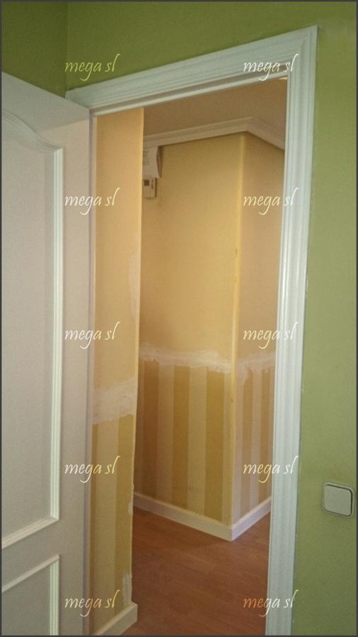 Lacar puertas en blanco y forrar la puerta de entrada for Lacar puertas en blanco