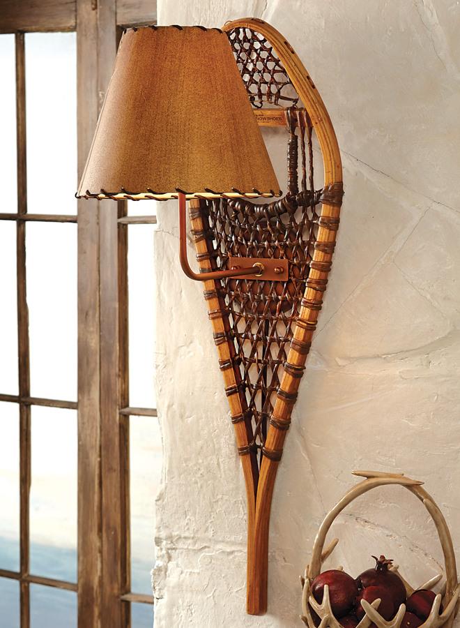 Lámpara con esquís antiguos