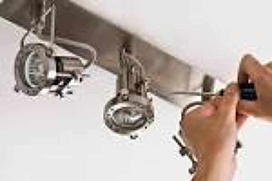 Cambio de l mpara m laga ideas electricistas - Trabajo electricista malaga ...
