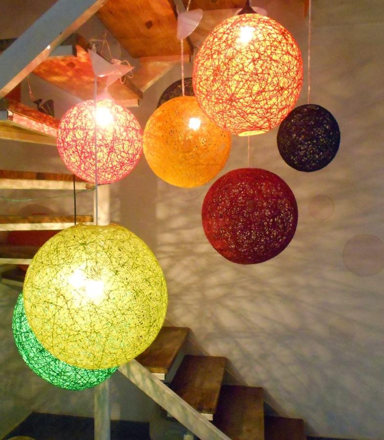C mo hacer l mparas de hilo de c amo ideas decoradores - Como hacer lamparas de techo artesanales ...