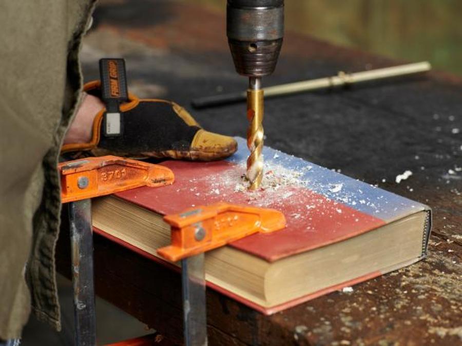 4 l mparas diy para sacar el artista que hay en ti ideas - Lamparas para leer libros ...