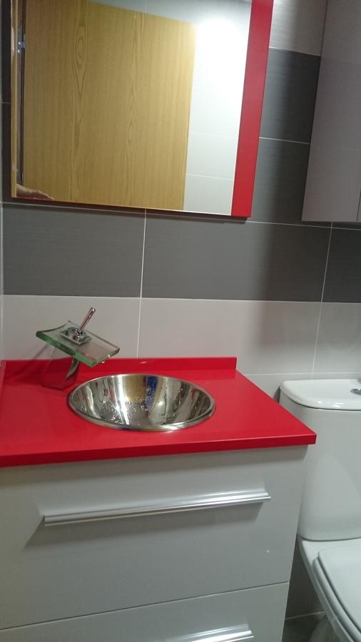 Lavabo Hecho a Medida y Espejo Incluido