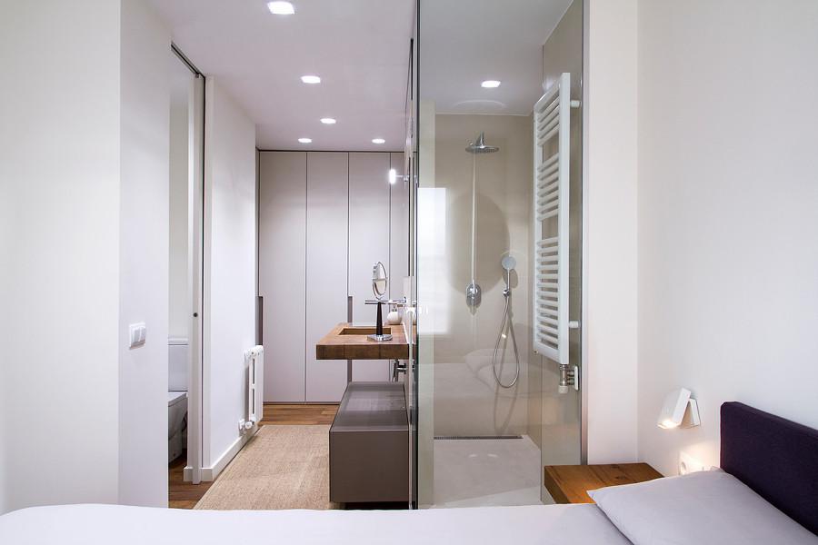 Lavabo integrado en dormitorio