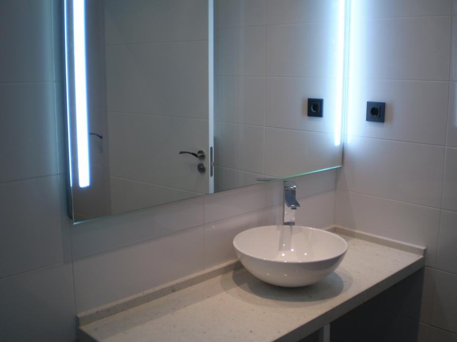 Lavabo sobre encimera de silestone ideas reformas ba os - Encimeras lavabos bano ...