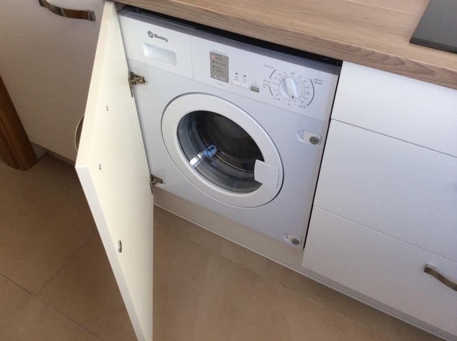 Foto lavadora y secadora integrada de cocinas eternal - Secadora encima lavadora ...