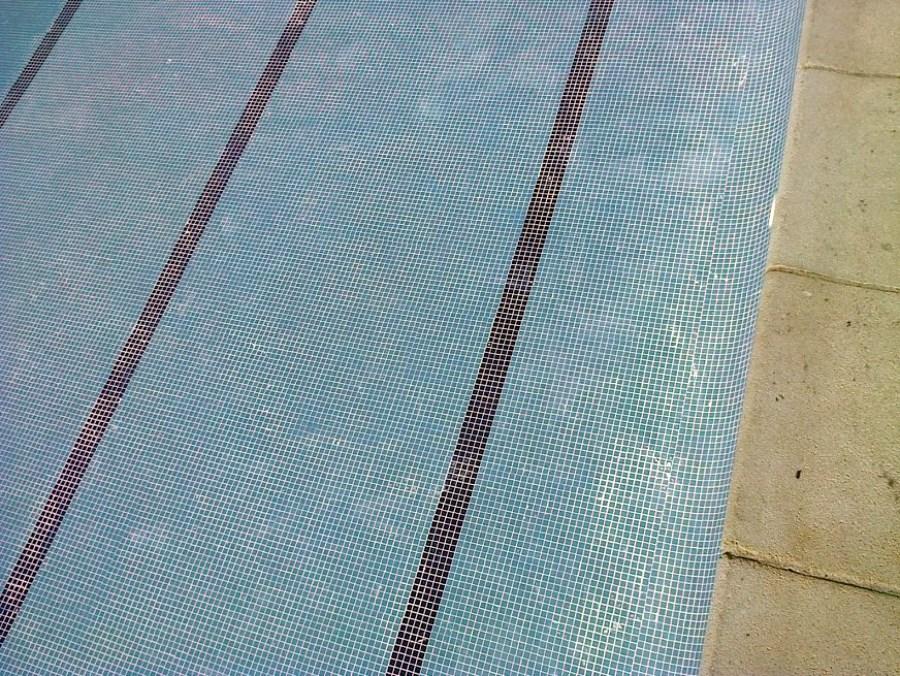 Lehcada piscina comunidad
