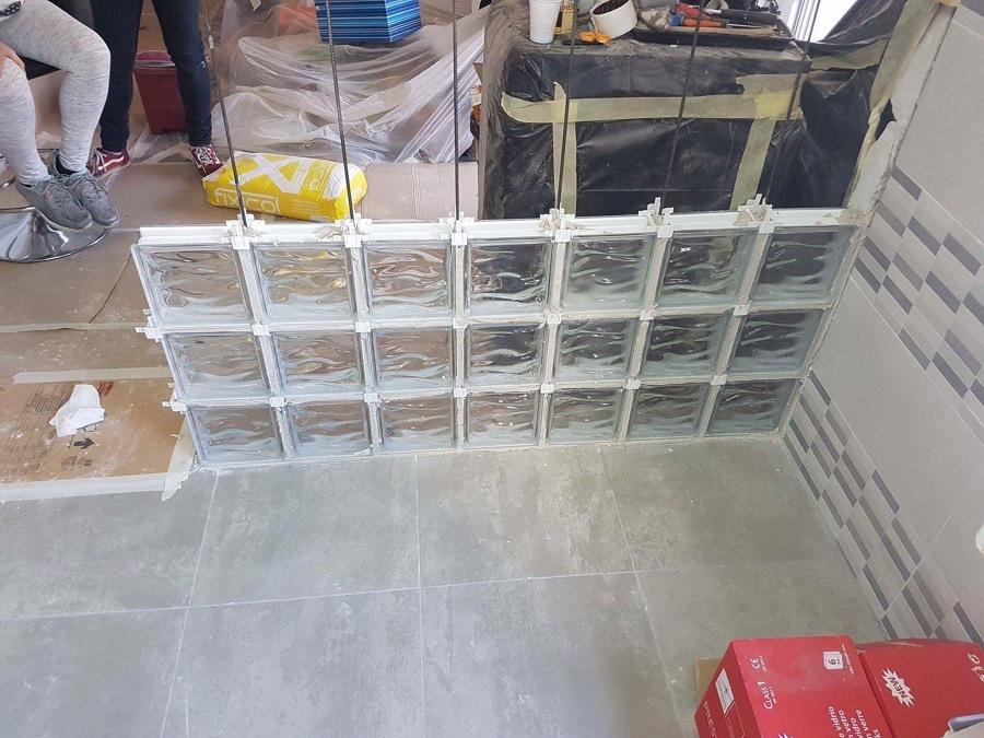 Reforma cocina y terraza ideas reformas cocinas - Pared de bloques de vidrio ...