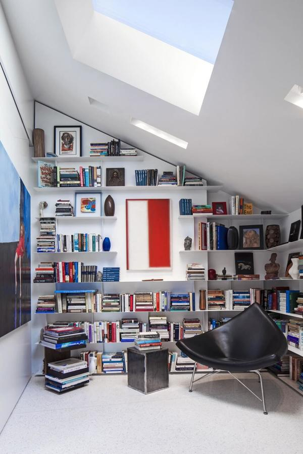 librería a medida en despacho abuhardillado