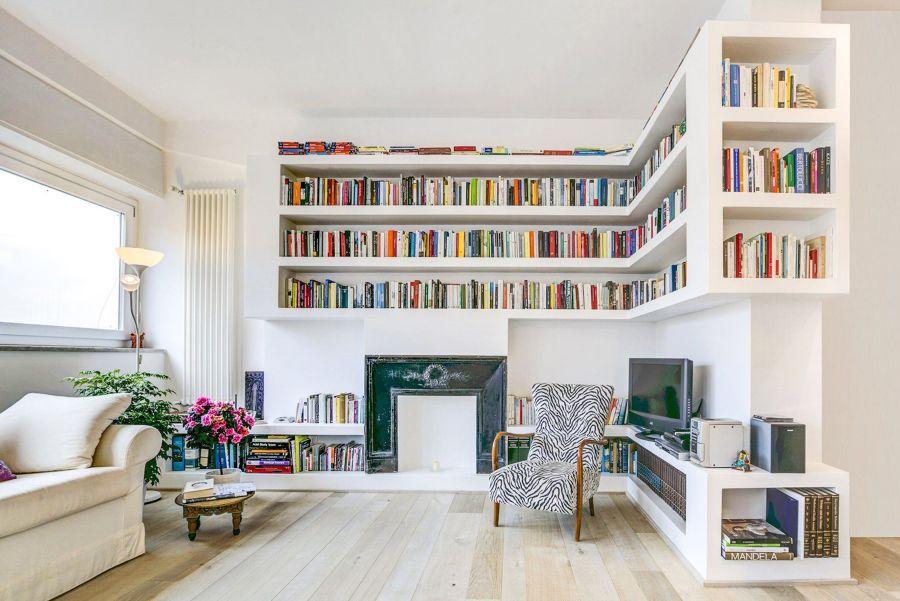 Librería en el salón