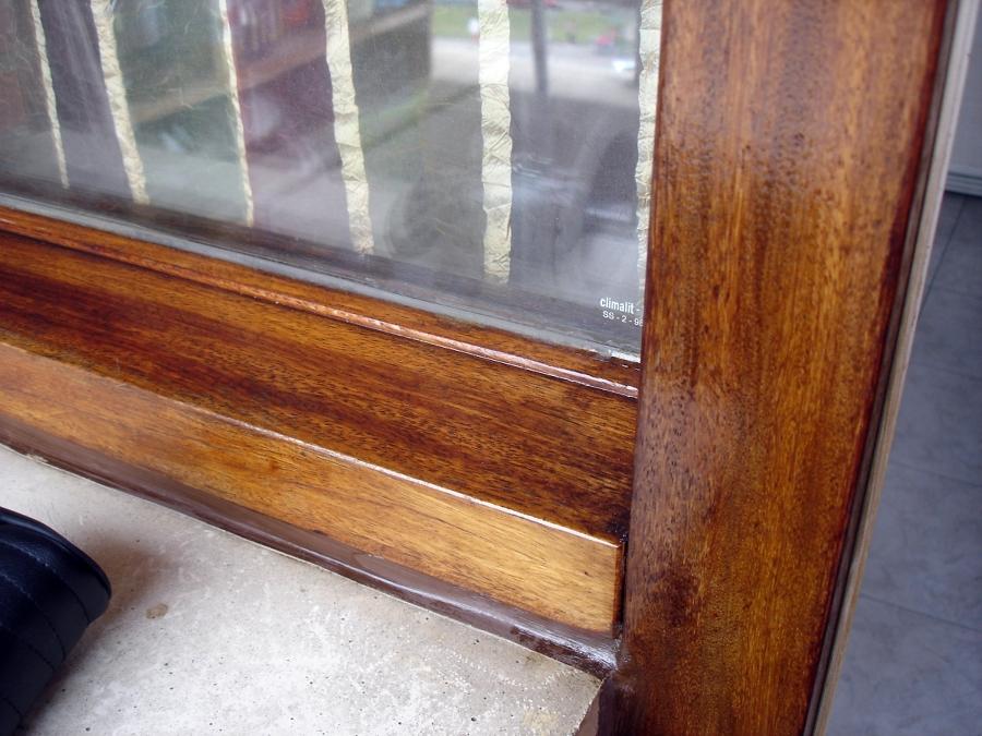 Lijado y barnizado de ventanas