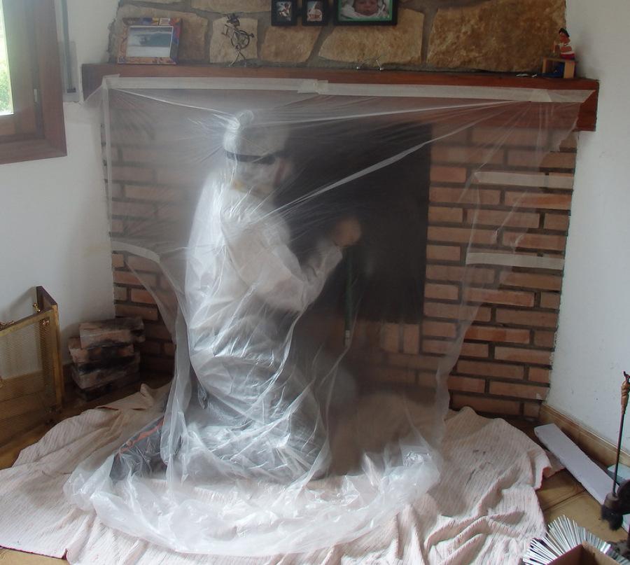 Foto limpieza de chimenea desde el interior de goikogarbi - Chimeneas en castellon ...