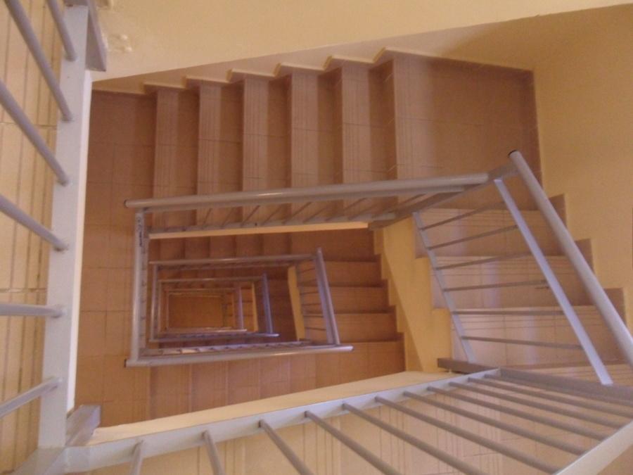 Limpieza de Escaleras en Comunidades de Vecinos