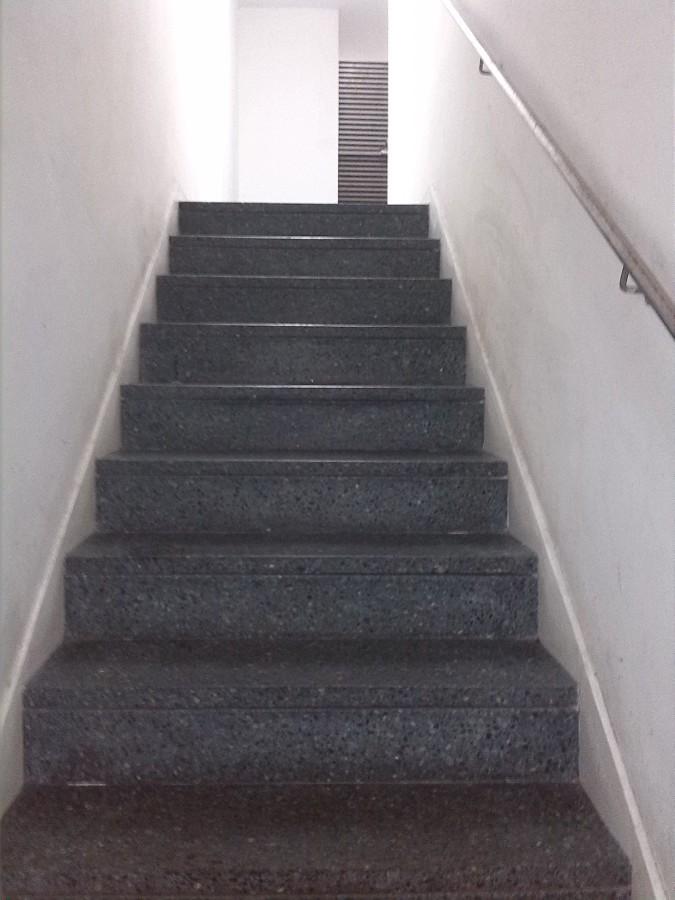 Limpieza de escaleras I