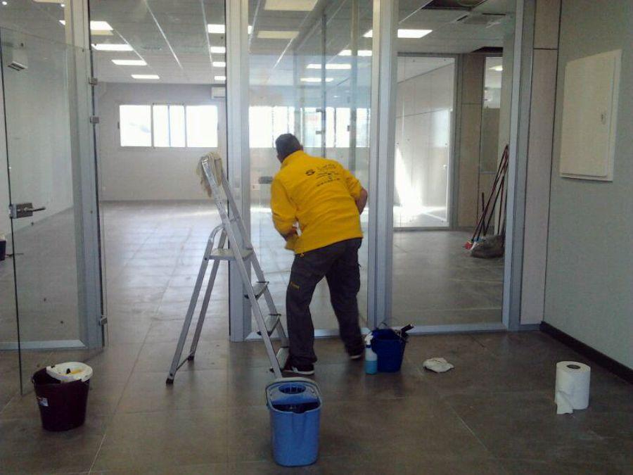 Empresa de reformas y servicio de limpieza en sevilla - Limpieza de oficinas ...