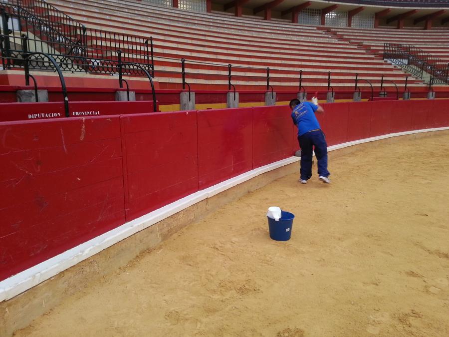 Limpieza de plaza de toros de Zaragoza