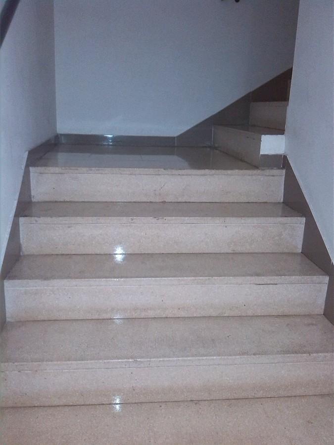 Limpieza escaleras II