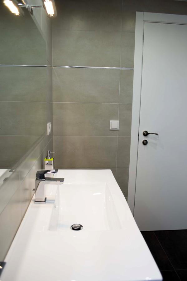 Lineas Rectas en baños ( detalle encimera )