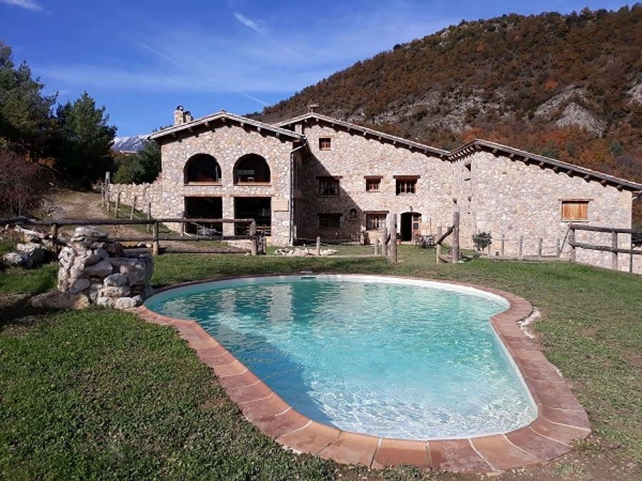 Liner armado piscina arena en casa rural