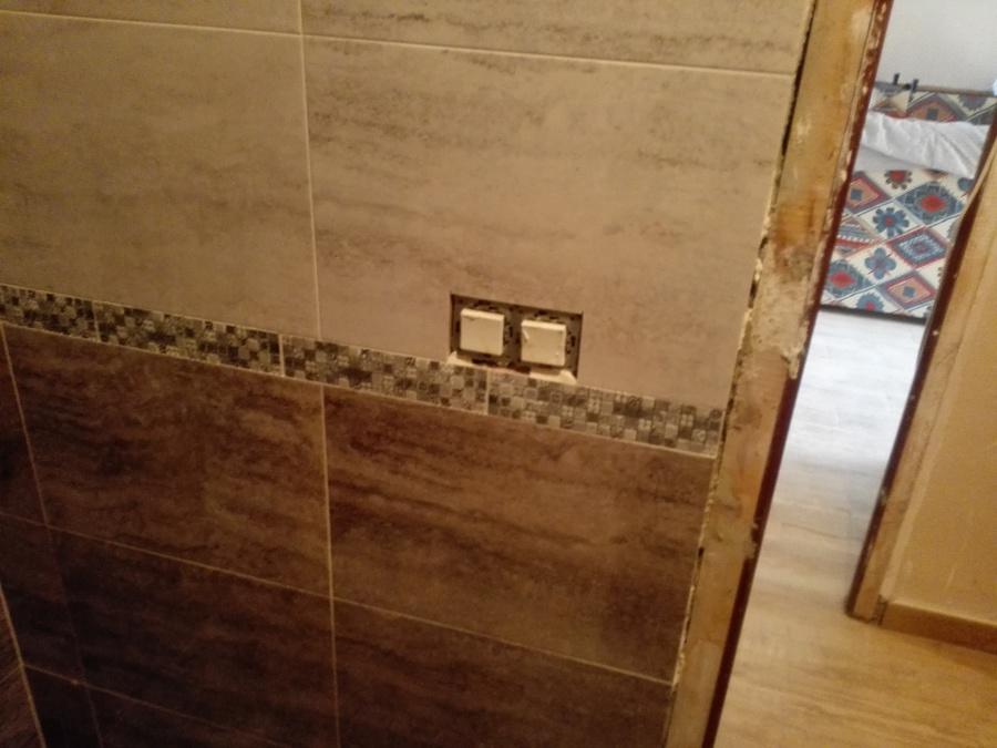 llaves de luz para baño gris
