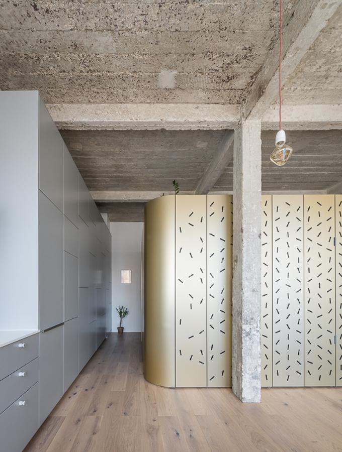Loft con paneles de aluminio