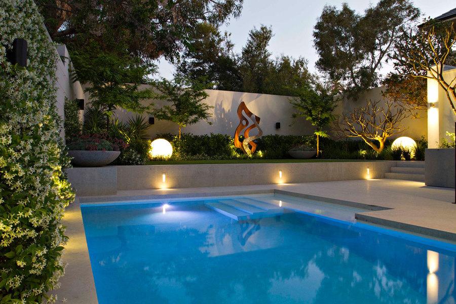8 maneras de iluminar tu jard n o terraza ideas - Iluminacion led jardin ...