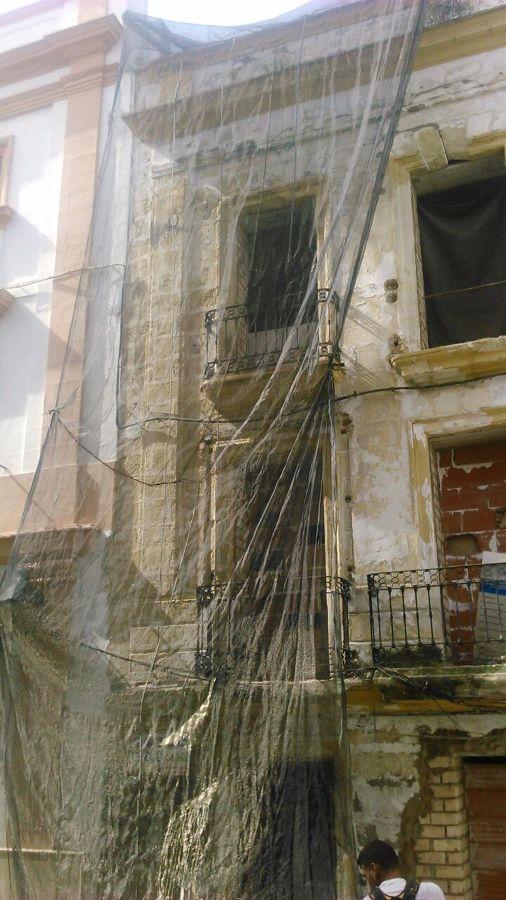 Foto mallas de protecci n para proteger zona inferior de ca das de objetos planes de - Apartahoteles sevilla este ...