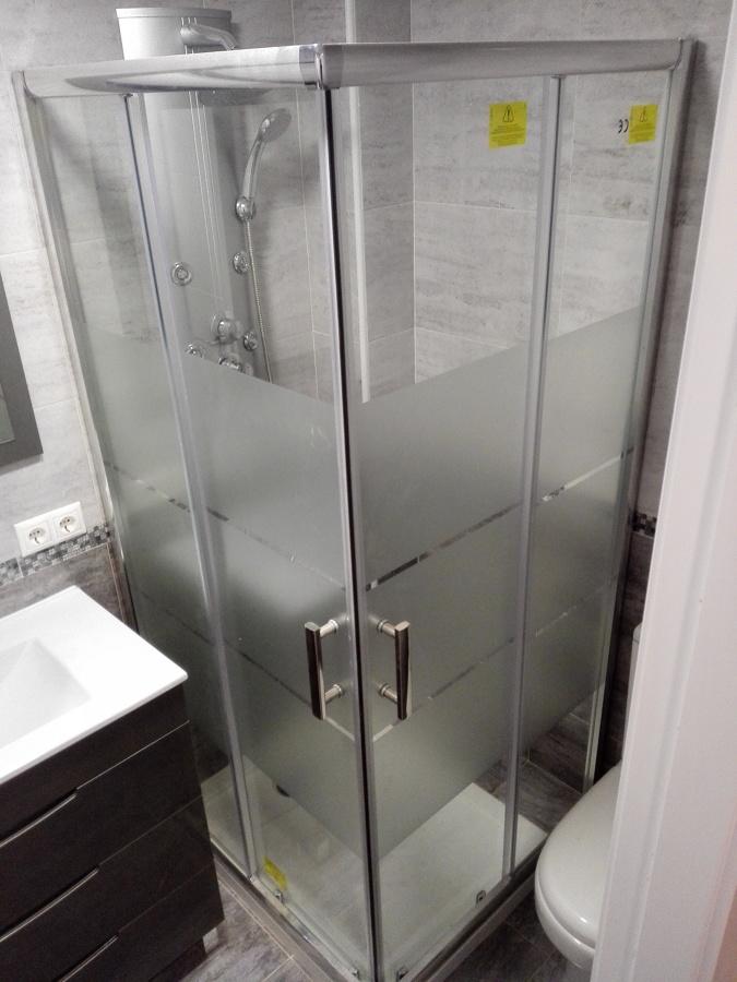 mampara baño gris