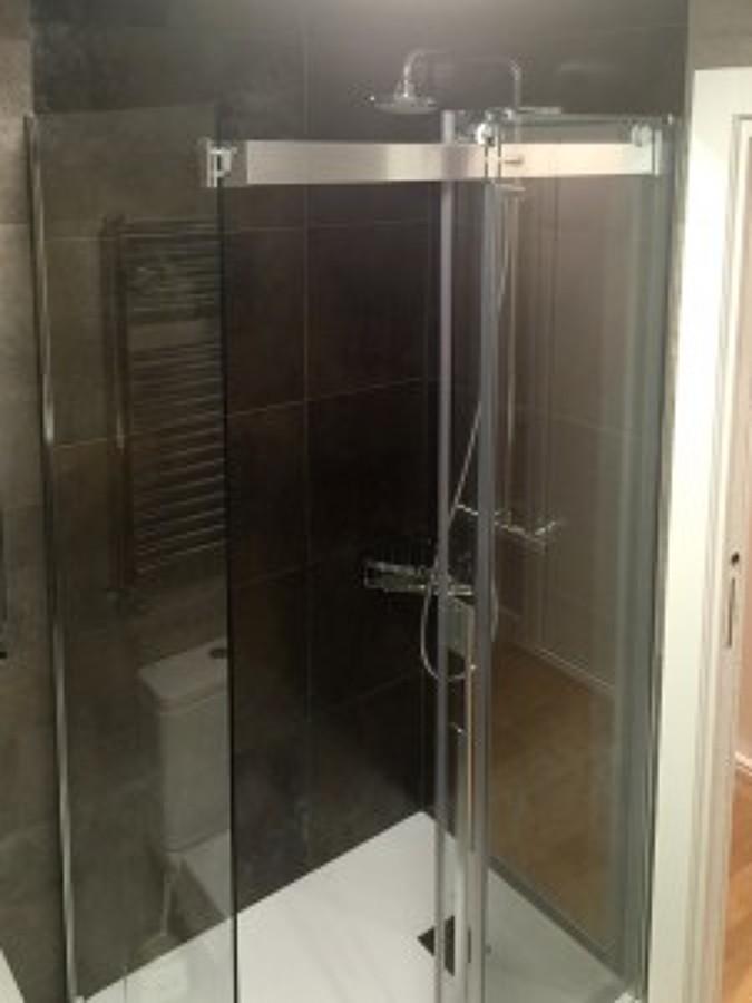 Mampara de ducha de esquina