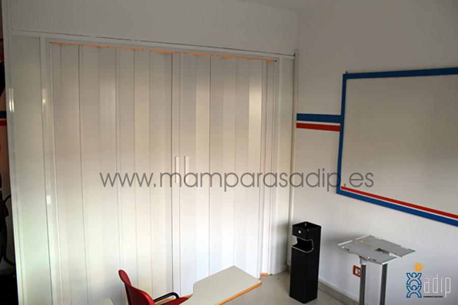 Mampara en academia Oviedo (Asturias)