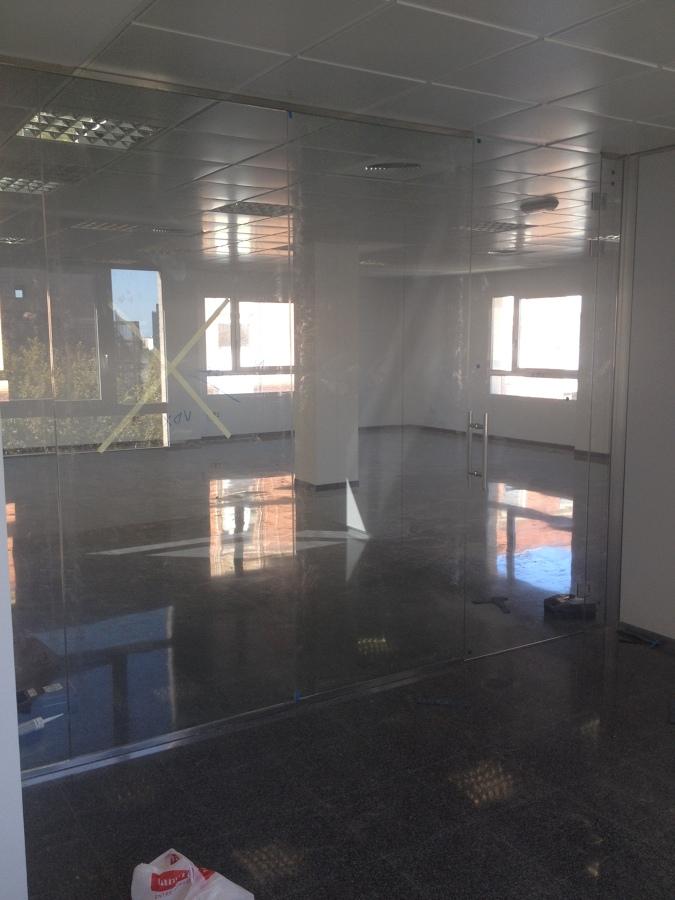Oficinas puerto de valencia ideas reformas oficinas for Oficinas de padron valencia