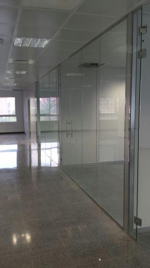 Mamparas vidrio templado fabulous mamparas vidrio for Emivasa valencia oficinas