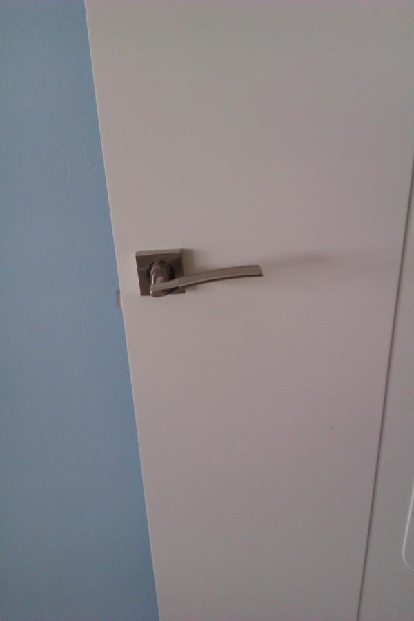Foto manivela puertas de almira viviendas s l 643864 - Manivela de puerta ...