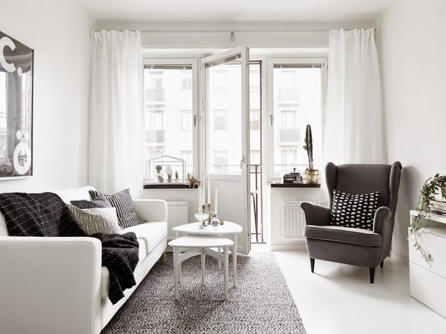salón blanco con manos blancas