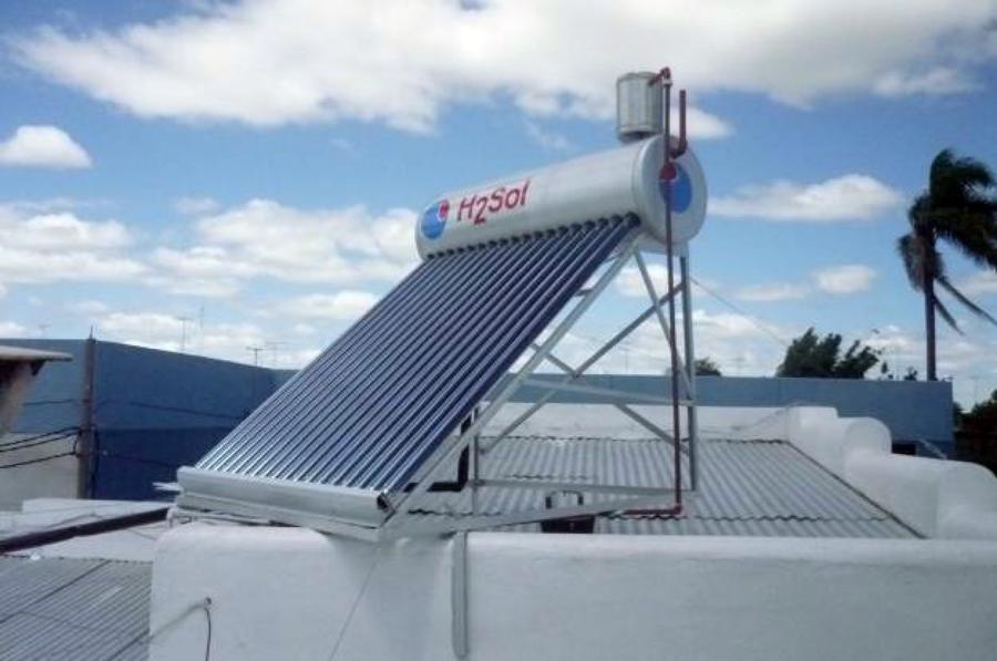 Foto mantenimiento de placas solares t rmicas de electra - Placas solares en sevilla ...
