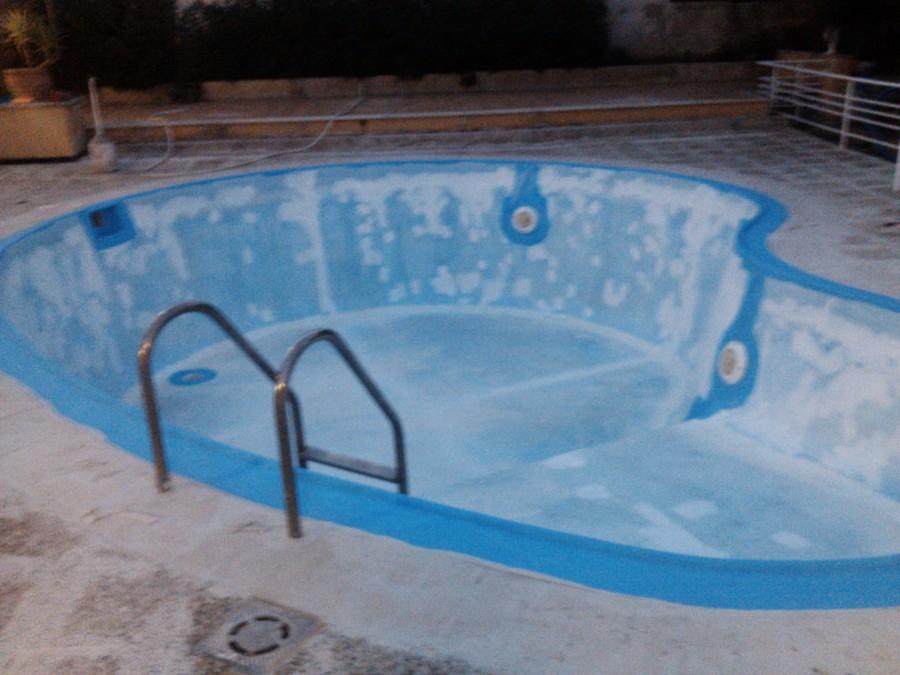 Pintado de piscina de fibra pintures frau ideas pintores for Pintado de piscinas