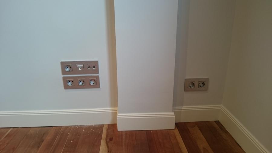 Instalaci n el ctrica completa en piso ideas electricistas - Mecanismos niessen zenit ...