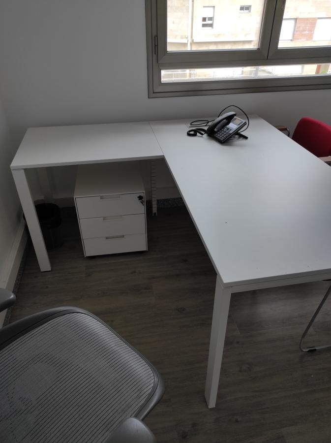 Mesa con ala