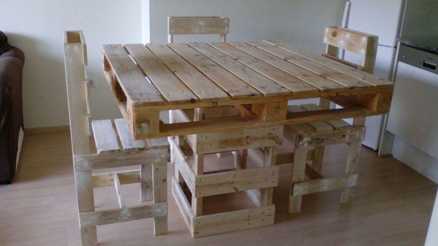 Foto mesa de comedor con 4 sillas de giroshopalets for Mesa de comedor 4 sillas