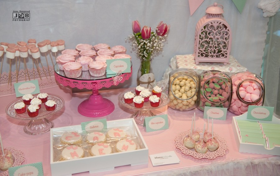 Las comuniones se acercan ideas decoradores - Preparar mesa dulce para comunion ...
