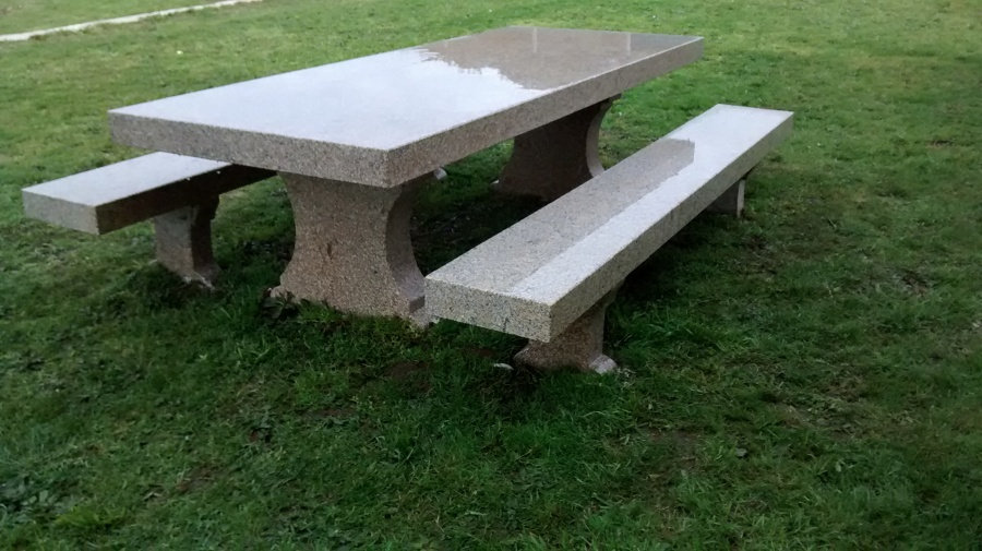 Mesa de Jardín en Galicia | Ideas Albañiles