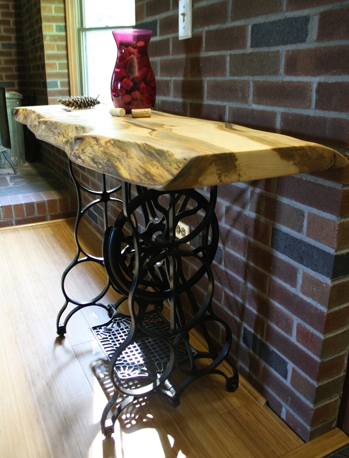 Deja ver tu lado creativo y construye tus propias mesas for Mesa para maquina de coser