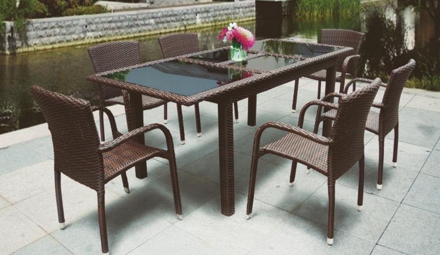 Mesas y sillas para el jard n un rinc n para disfrutar for Mesa y sillones para jardin