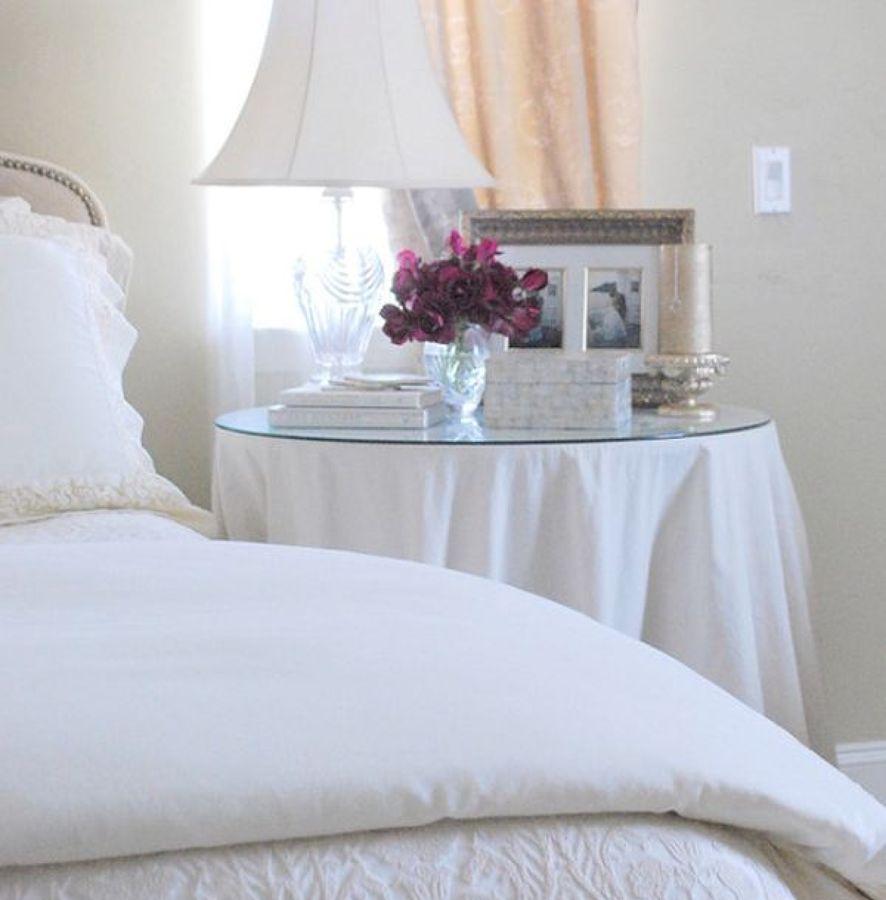 Mesillas redondas para el dormitorio ideas cristaleros for Mesillas noche redondas