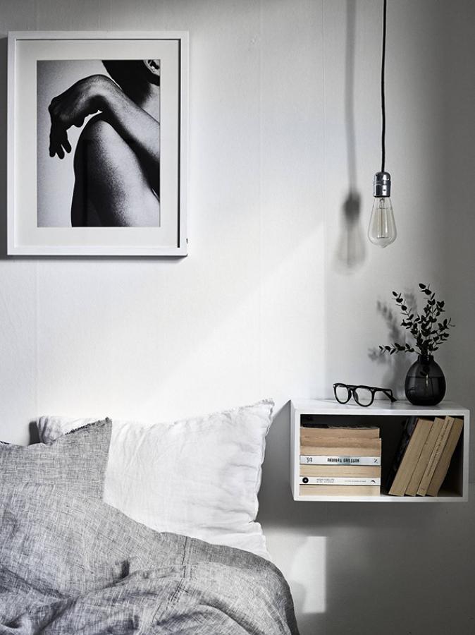 8 ideas originales para renovar tu mesita de noche ideas for Mesita noche colgante