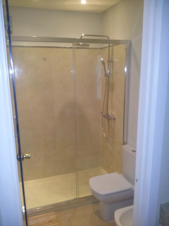 Revestimiento plato de ducha con microcemento ideas for Revestimiento ducha