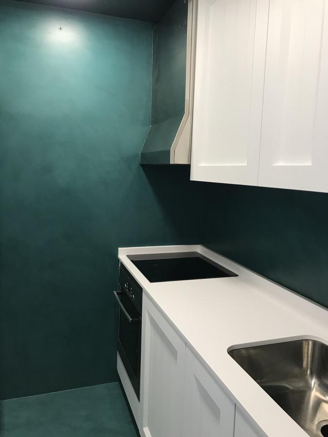 Microcemento verde Hoja en cocina