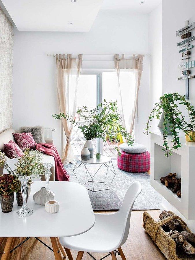 Foto mini casa con chimenea de miv interiores 1364714 for Mini casa minimalista