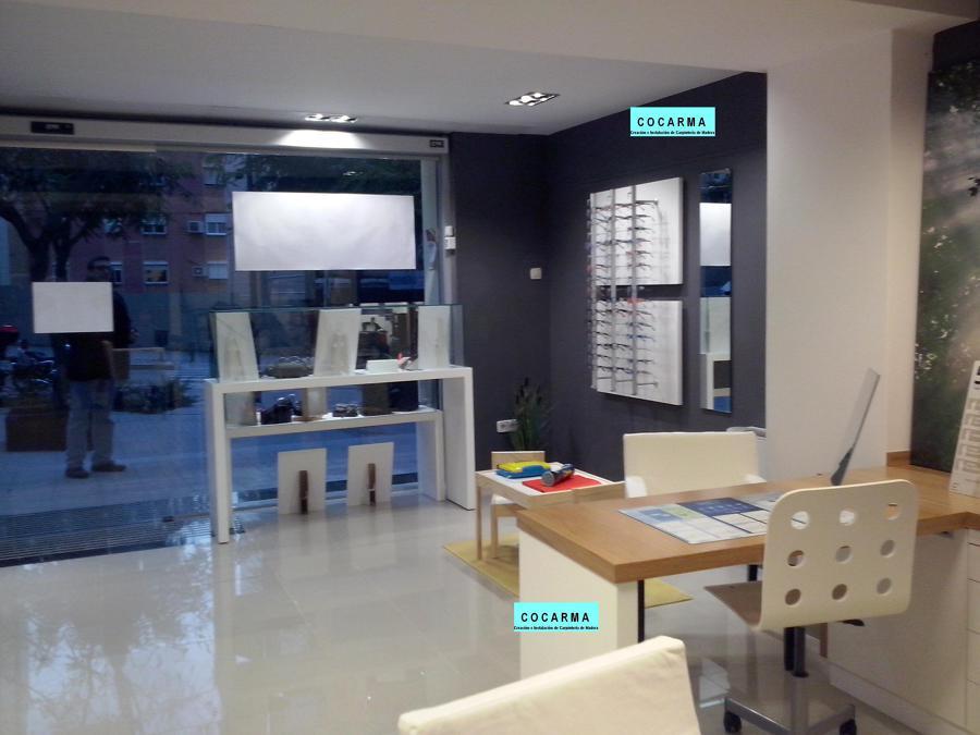 Mobiliario de ptica ideas reformas locales comerciales for Muebles para escaparates